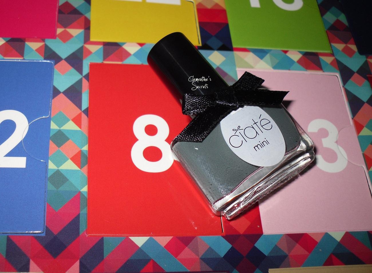 Ciaté Day 08 Vintage Mani Month Manucure (1)